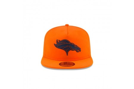 DENVER BRONCOS NFL TRAINING GOLFER
