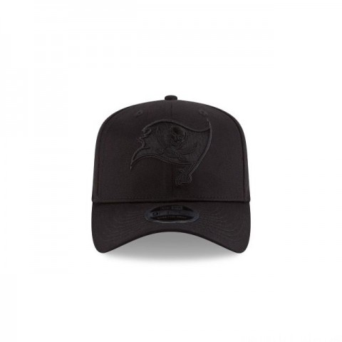 TAMPA BAY BUCCANEERS BLACK ON BLACK STRETCH SNAP 9FIFTY SNAPBACK