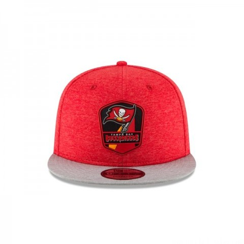 TAMPA BAY BUCCANEERS OFFICIAL SIDELINE ROAD KIDS 9FIFTY SNAPBACK - Sale
