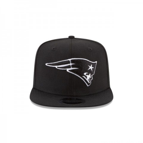 NEW ENGLAND PATRIOTS BLACK AND WHITE HIGH CROWN 9FIFTY SNAPBACK - Sale